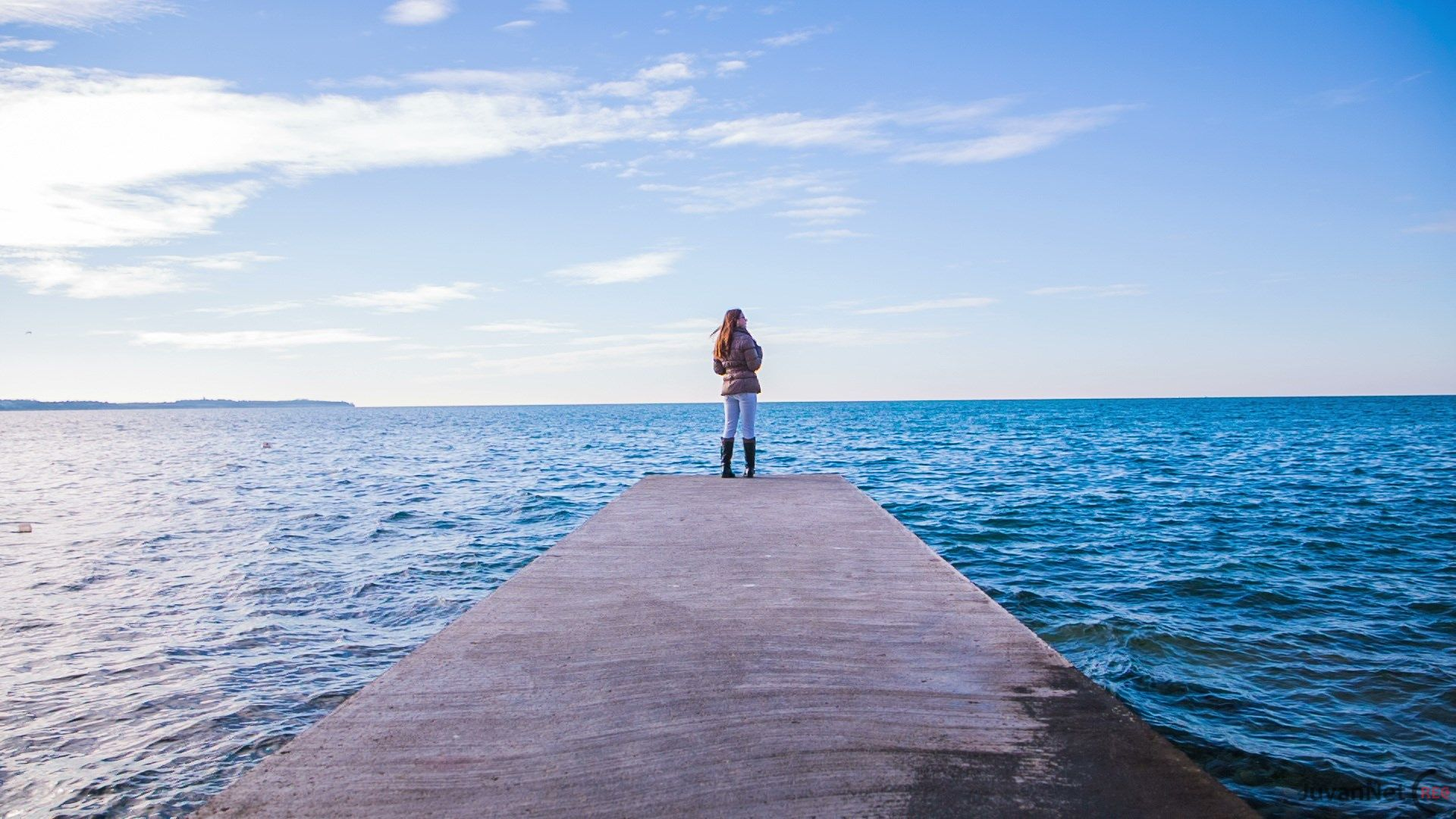 The Joy Of Travelling Alone: 6 People Share Their Most Amazing Moment Flying Solo